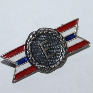 Vintage sterling silver military pin